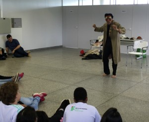 "Dia da ""Commedia Dell'Art"" é celebrado no Campus Goioerê"